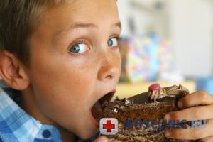 К чему может привести чрезмерное употребление сладостей?