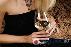 Женщина нельзя пить пиво! Алкоголь – причина рака груди.
