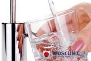 Геннадий Онищенко разрешил пить воду из-под крана